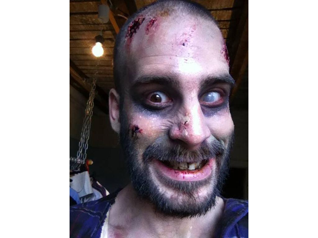 DEVK Filmgenre: Zombie http://www.youtube.com/watch?v=qiDThCaOHFM Special FX: Anna P. Schauspieler: Justus Beckmann